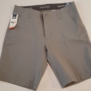 NWT  Dockers Smart 360 Flex Chino Short size 32